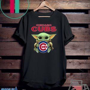 Baby Yoda Hug Chicago Cubs Tee Shirts