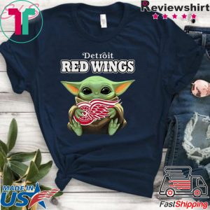 Baby Yoda Hug Detroit Red Wings Tee Shirts