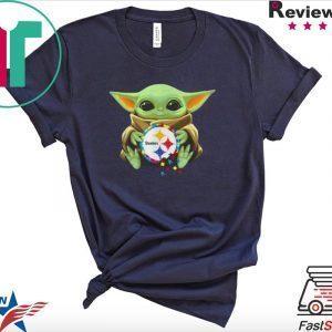 Baby Yoda hug Autism Pittsburgh Steelers Tee Shirt