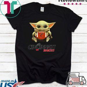Baby Yoda hug Cincinnati Bearcats Tee Shirt