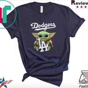 Baby Yoda hug Los Angeles Dodgers Tee Shirt
