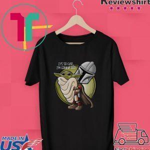 The Mandalorian hug baby Yoda it's so cute I'm gonna die Tee Shirt